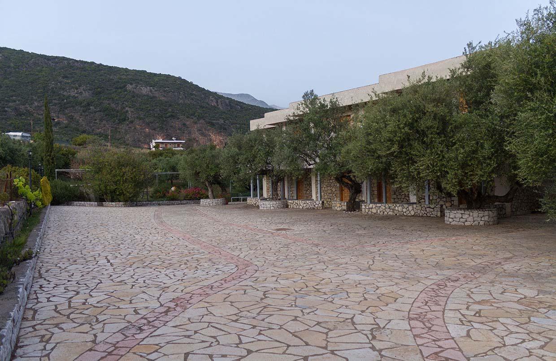 Karadmili Beach Hotel Parking