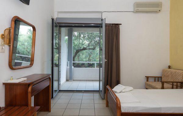 Δίκλινο (2 Μονά Κρεβάτια)